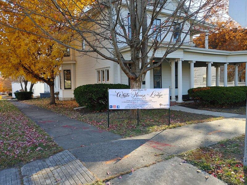 White House Lodge-Upper Family Suite, alquiler vacacional en Marceline