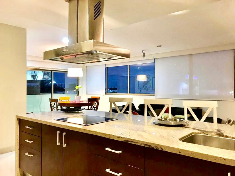 Luxury 1 bedroom apartment with pool - Montebello, north of Merida, casa vacanza a Chablekal