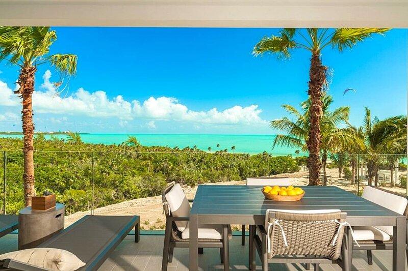#1 LifeStyle Resort in Turks⎮Oceanfront⎮Watersports, aluguéis de temporada em Five Cays Settlement