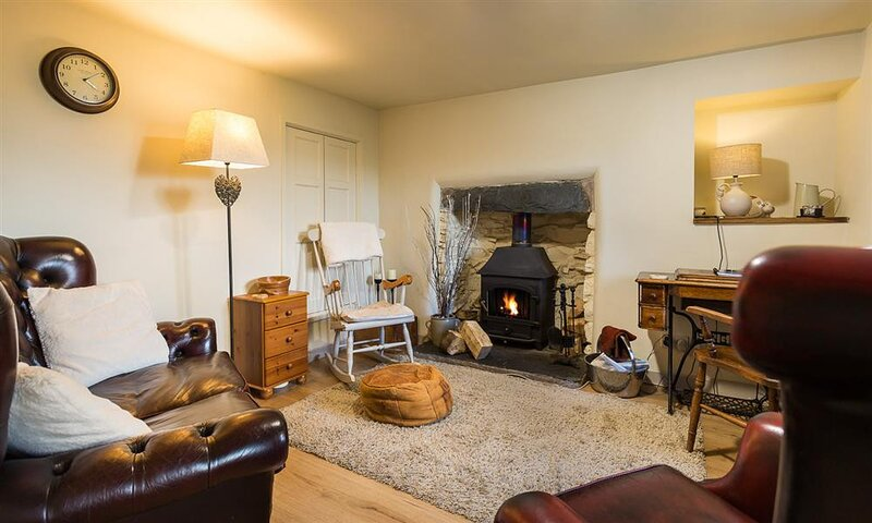 MILL DAM COTTAGE, 2 Bedroom(s), Coniston, holiday rental in Coniston