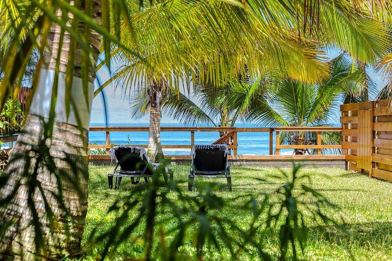 O' Lagon - Joli bungalow - 2 pers - pieds dans l'eau sur lagon de l'Hermitage, alquiler vacacional en Saint-Gilles-Les-Bains
