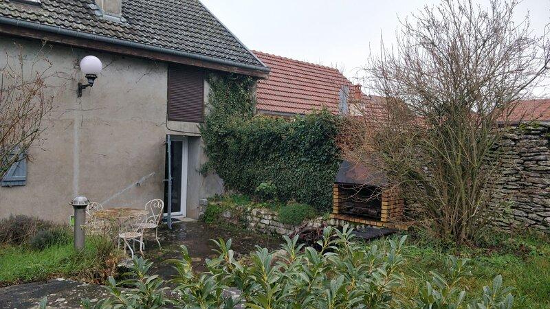 Beautiful house with garden & Wifi, location de vacances à Recey-sur-Ource
