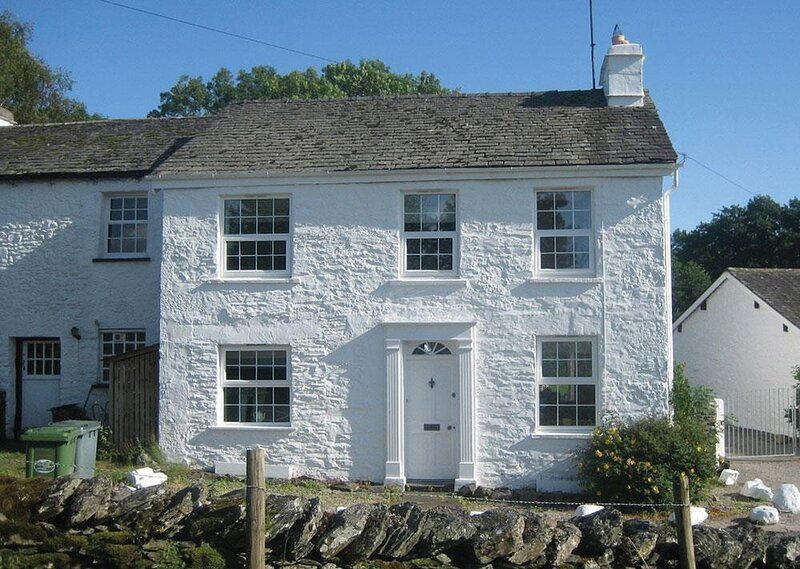 SMITHY COTTAGE AT BOWLAND BRIDGE, 3 Bedroom(s), Bowness, vacation rental in Lakeside