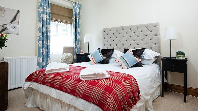 RIVERBANK AT STEPPING STONES, 1 Bedroom(s), Rydal, vacation rental in Rydal