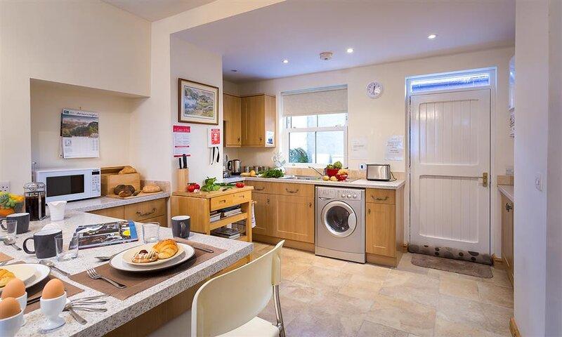 MULBERRY COTTAGE, 2 Bedroom(s), Staveley, location de vacances à Staveley