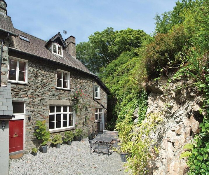 TARN HOUSE, 4 Bedroom(s), Ambleside, holiday rental in Elterwater