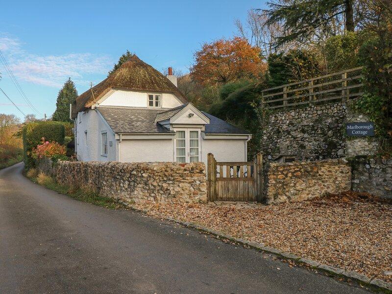 Marlborough Cottage, Combpyne, location de vacances à Uplyme