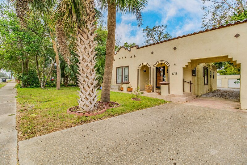 Casa Cervantes! Pet Friendly, Spanish Style Home in East Hill, holiday rental in Pensacola