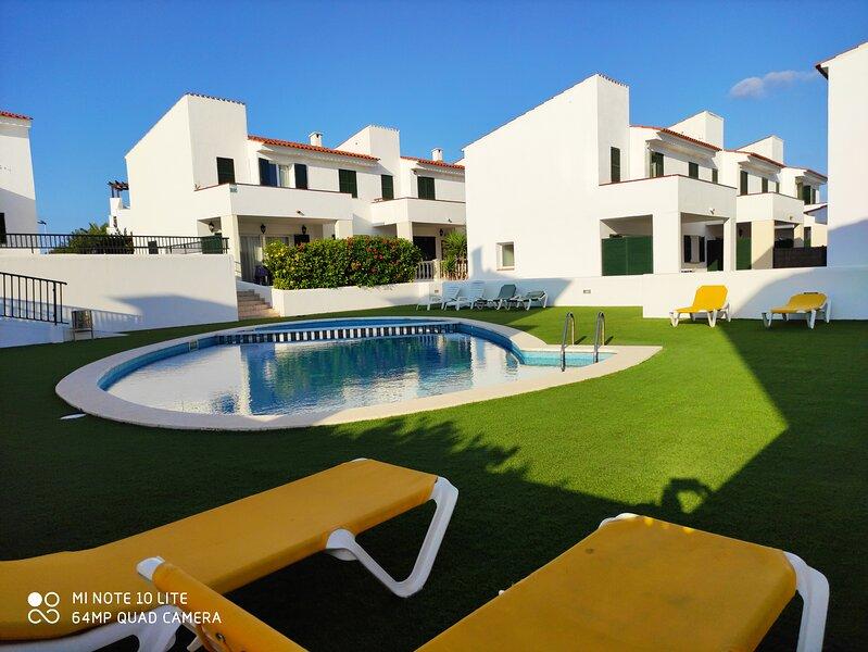 Apartamento en Menorca a 3 minutos de la playa, holiday rental in Cala d'Alcaufar