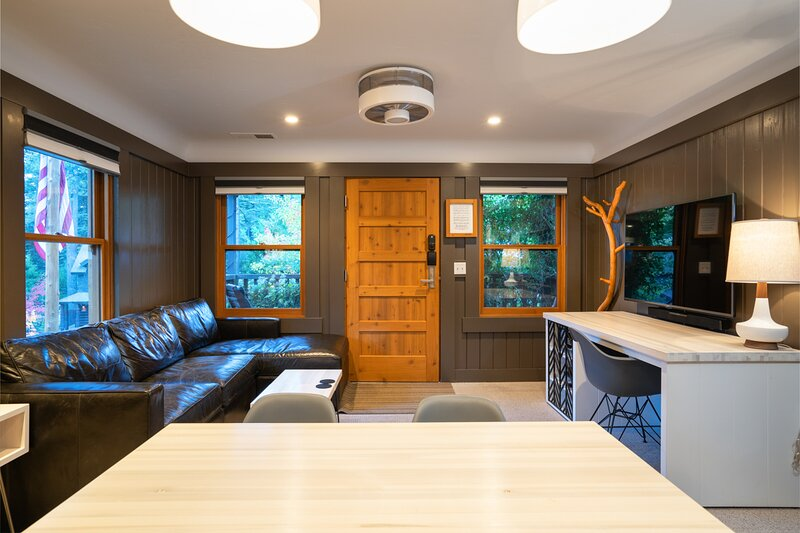 Cedar Crest - Osprey Cottage 3, location de vacances à Homewood