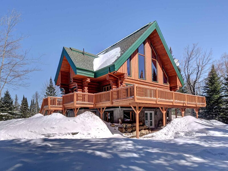Au Refuge des Cerfs - At the Deer Refuge SPA, Ski Mont-Tremblant, holiday rental in Val-des-Lacs