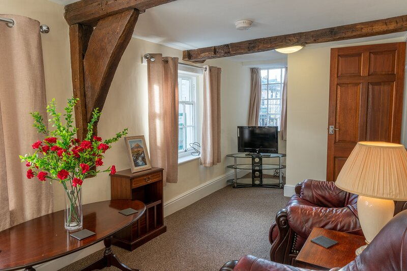 Highgate View Apartment - Newly refurbished, two-bedroom, town-centre apartment, holiday rental in New Hutton