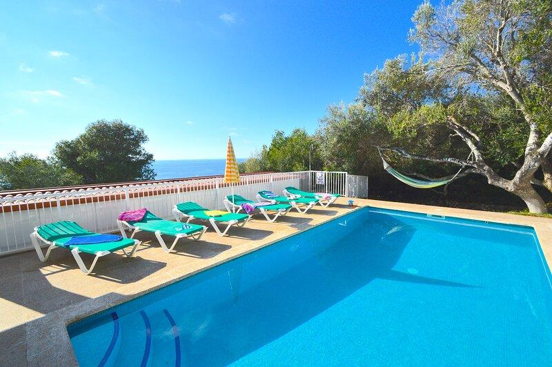 Villa Belinda con piscina privada y vistas al mar, holiday rental in Santo Tomas