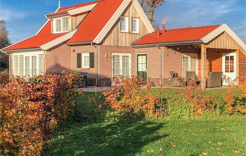 Amazing home in Hoge Hexel with 3 Bedrooms (HOV211), holiday rental in Geesteren