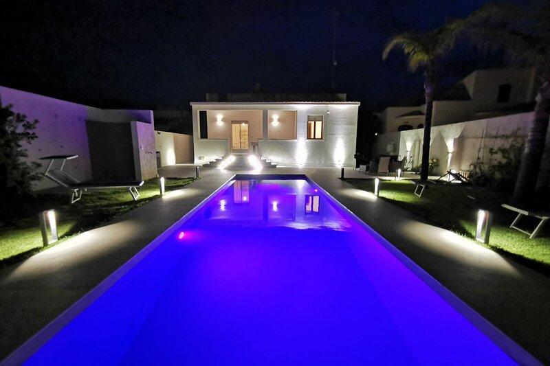 Villa Le Onde, con piscina privata ed idromassaggio a soli 650m dalla spiaggia, location de vacances à Granitola