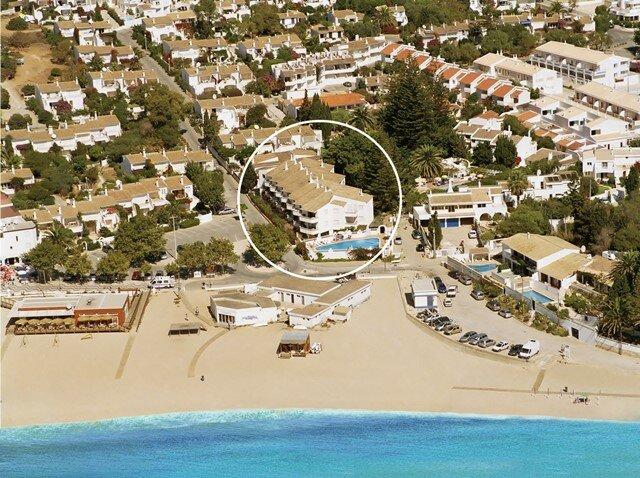 Mayer Beach Front Holiday Apartments, holiday rental in Praia da Luz