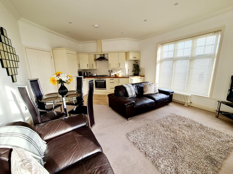 Vitamin Sea - Luxury Beach Apartment - Sleeps 4, vacation rental in Ramsgate
