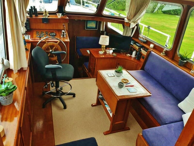 Houseboat Amstelle Close to the City Centre of Amsterdam., vacation rental in Sloten