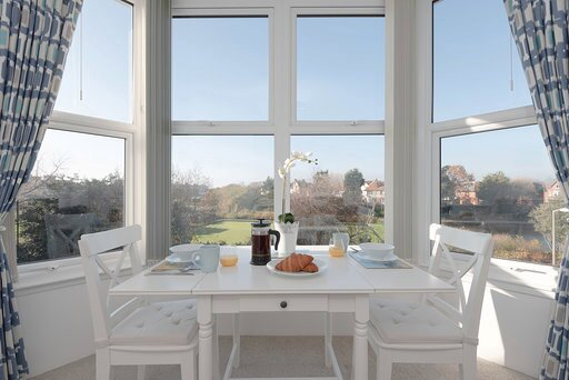 On The Park...beautiful, stylish coastal flat, holiday rental in Ninfield