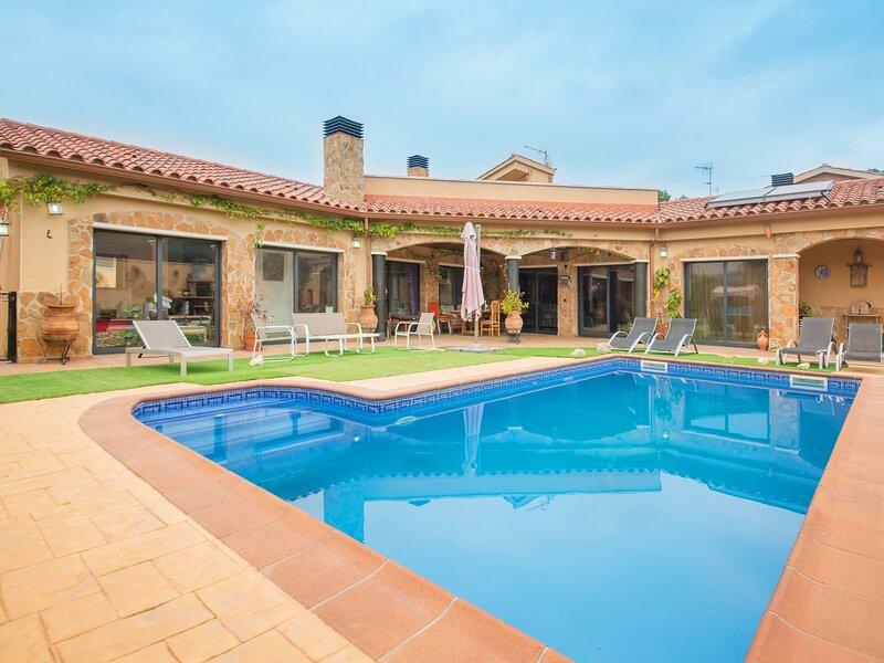 R58 Casa en una solo planta a 3km de la playa, vacation rental in L'Arboc