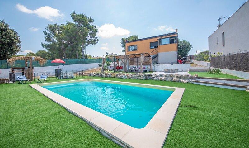 R75 Casa con piscina 7 km de la playa, vacation rental in L'Arboc