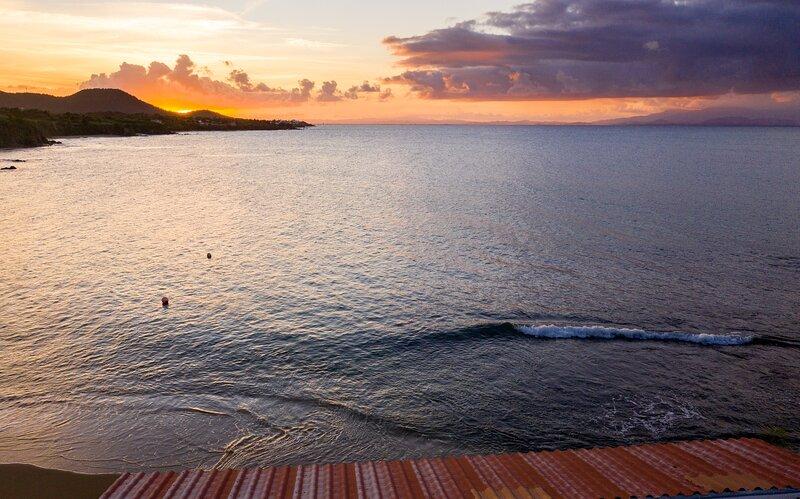 Villa Dos Palmas - Beach  Villa - Waves Lapping at Your Door, holiday rental in Isabel Segunda