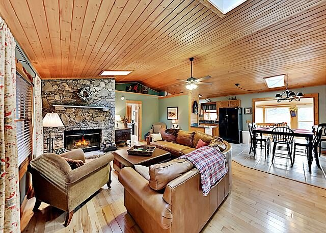 Private Mountain Retreat | Sunset Views & Creek | 2 Acres of Bucolic Beauty, holiday rental in Canton