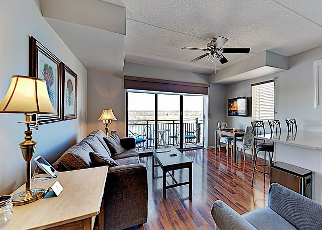 AWESOME RIVERVIEW 8TH FLOOR SUITE DOWNTOWN WILMINGTON, alquiler vacacional en Leland