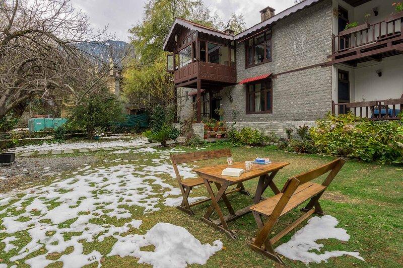 The Magnolia Estate by Vista Rooms, vacation rental in Burua