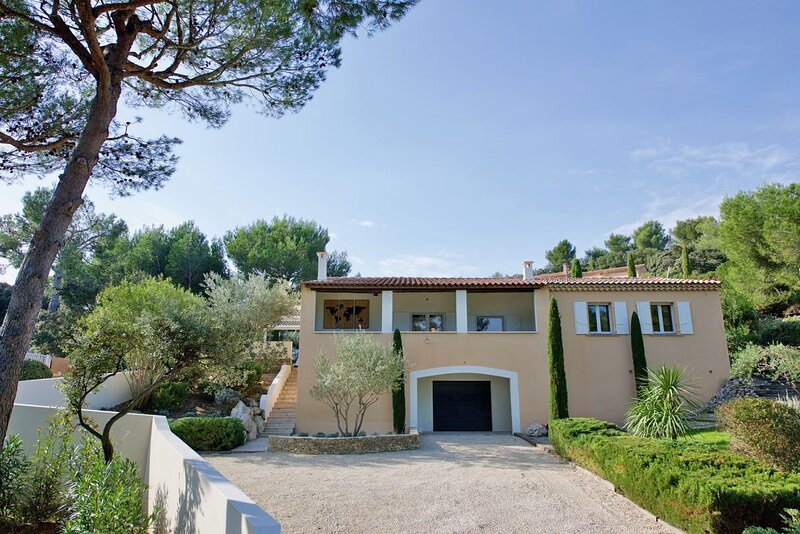 LS1-363 MARTEU - Beautiful rental with heated pool in the Alpilles park 8 people, location de vacances à Paradou