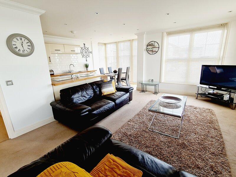 Off the Hook - Luxury Beach Apartment - Sleeps 4, vacation rental in Ramsgate