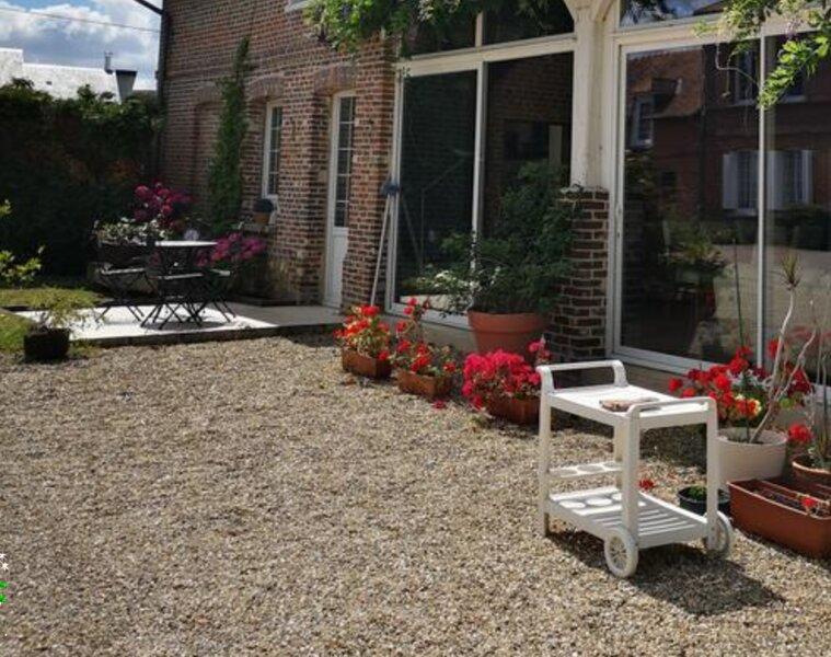 Amazing house with garden & terrace, location de vacances à Poses