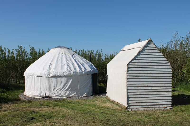 Beautiful Yurt 3 on a secluded coastal site, holiday rental in Little Haven
