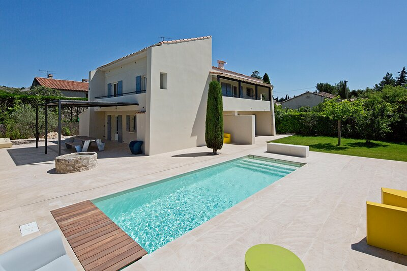 LS1-364 MISTRAL - Beautiful rental in Provence for 8/10 people and heated pool, location de vacances à Maussane-les-Alpilles
