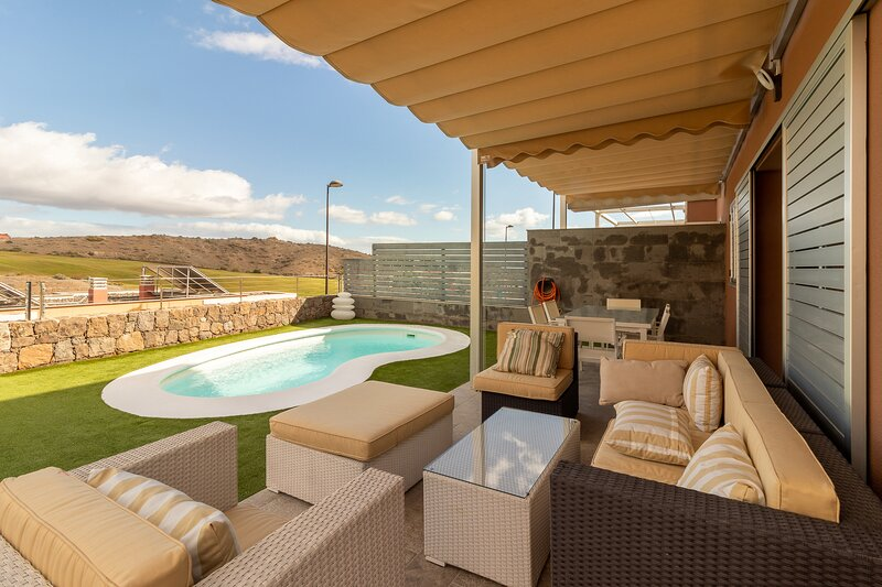 Flatguest Vista Golf + Piscina + jardin + Relax, holiday rental in El Salobre
