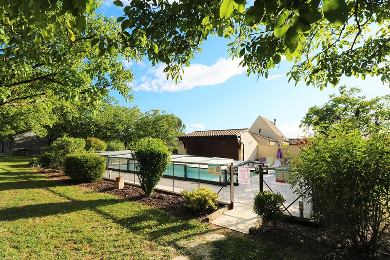 LE DOMAINE DE ST VINCENT: THE PERFECT PLACE TO HOLIDAY ALL TOGETHER IN DORDOGNE!, vacation rental in Saint-Vincent-de-Cosse