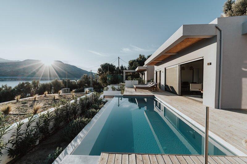 Villa Theos, vacation rental in Aetolia-Acarnania Region