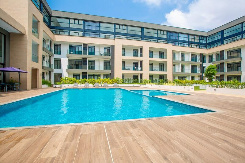 Beautifully Furnished Studio Apartment - Embassy Gardens, aluguéis de temporada em Acra