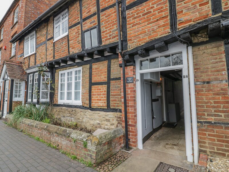 Lacemaker's Cottage, Buckingham, holiday rental in Weedon
