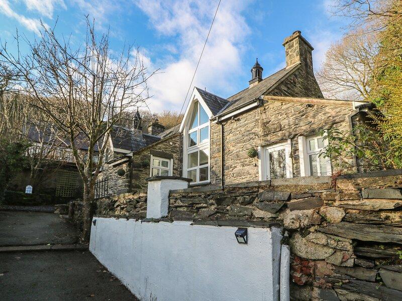 Yr Hen Ysgol, Prenteg, holiday rental in Llanfrothen