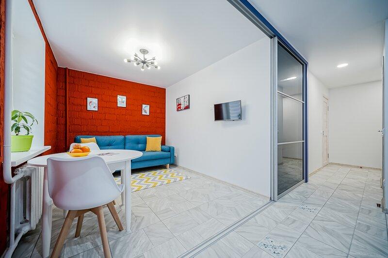 2-rooms refurbished loft in Nemiga, holiday rental in Minsk