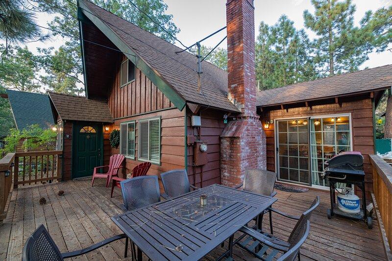 Far Enough Cabin, holiday rental in Sugarloaf