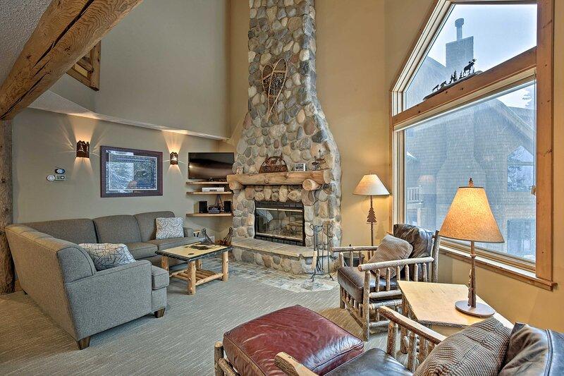 NEW! Comfy Lutsen Mountain Villa w/ Balcony, Grill, holiday rental in Lutsen