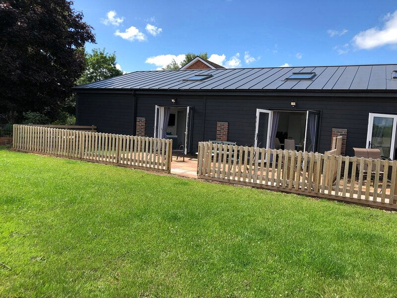 2 Barn Cottages, Whitchurch, holiday rental in Edstaston