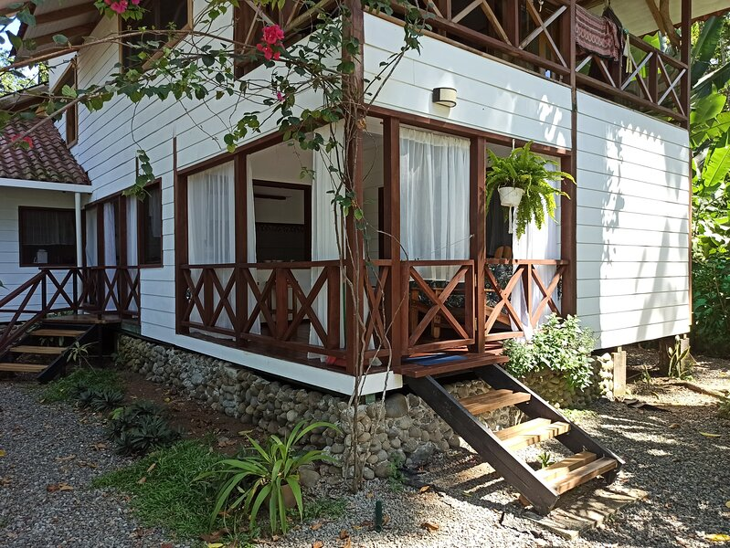 Chilamate House casa orchidea, holiday rental in Hone Creek