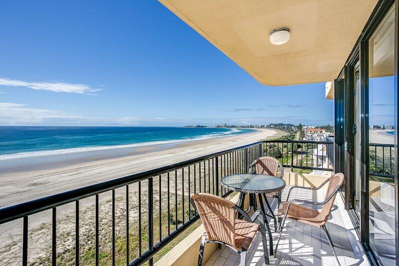 Pelican Sands 802 -  Absolute Beachfront!, casa vacanza a Tugun