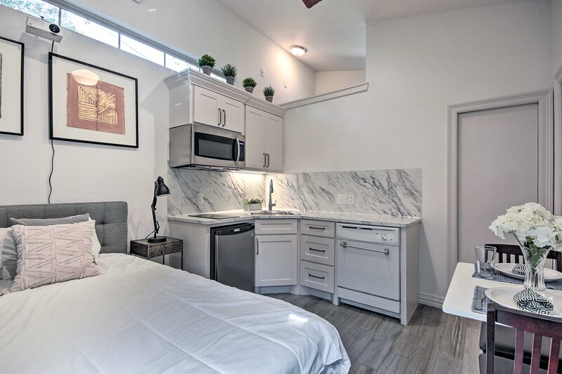 NEW! Houston Haven Near Dtwn Attractions + Parks!, holiday rental in Pasadena