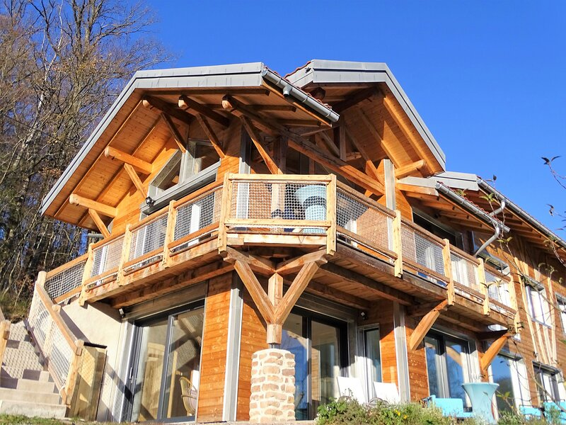 Chalet Le Cerf 4* Piscine et Sauna privé, holiday rental in Hadol