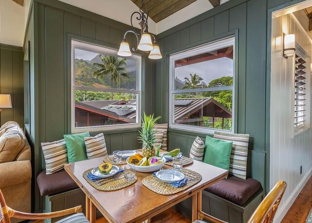 Charming Tropical Getaway, with A/C and a short walk to the beach.  TVR #1018, holiday rental in Hanalei