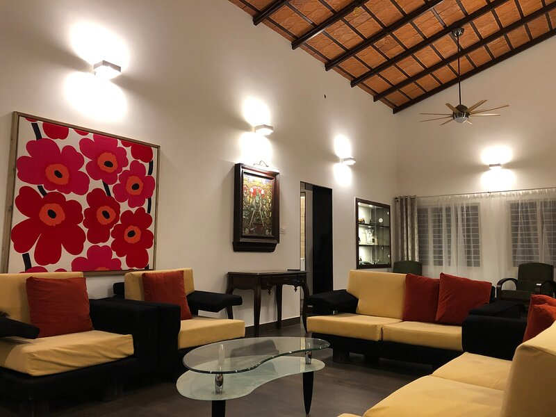 Private Coffee Estate Bungalow - 'The Nest' Handi Homestay, holiday rental in Sakleshpur